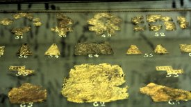Golden fragments (photo: Source Fabrik)